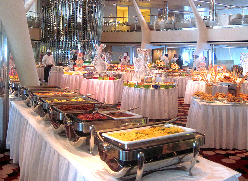 cruise buffet and dining room